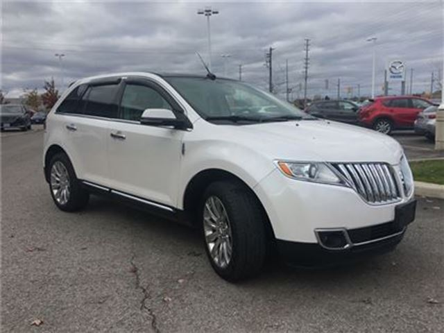 2015 LINCOLN MKX AWD, LEATHER, SUNROOF, HEATED SEATS in Barrie, Ontario