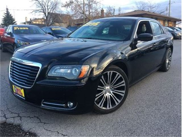 2013 CHRYSLER 300 S NAVIGATION LEATHER PANORAMA ROOF in St Catharines, Ontario