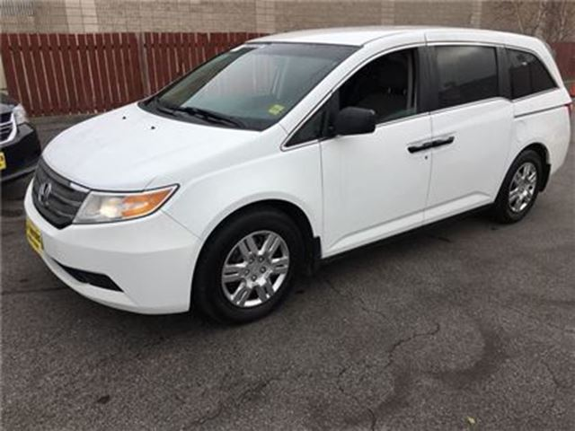 2011 HONDA ODYSSEY LX, Automatic, Third Row Seating in Burlington, Ontario