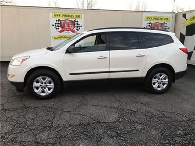 2011 chevrolet traverse ls automatic third row seating burlington ontario car for sale. Black Bedroom Furniture Sets. Home Design Ideas