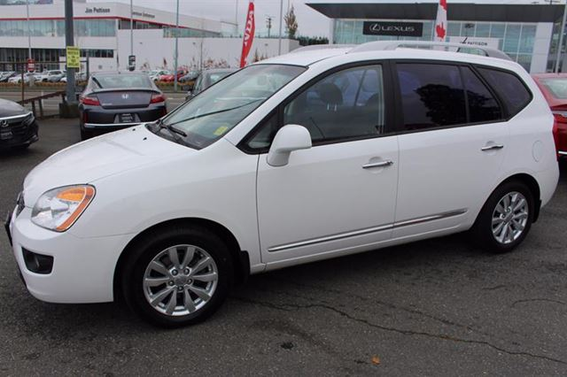 2012 KIA RONDO EX in Victoria, British Columbia