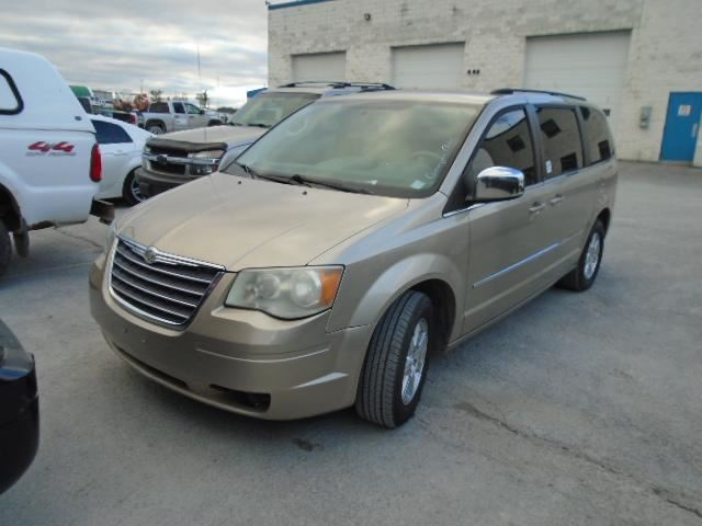 2009 CHRYSLER TOWN AND COUNTRY           in Innisfil, Ontario