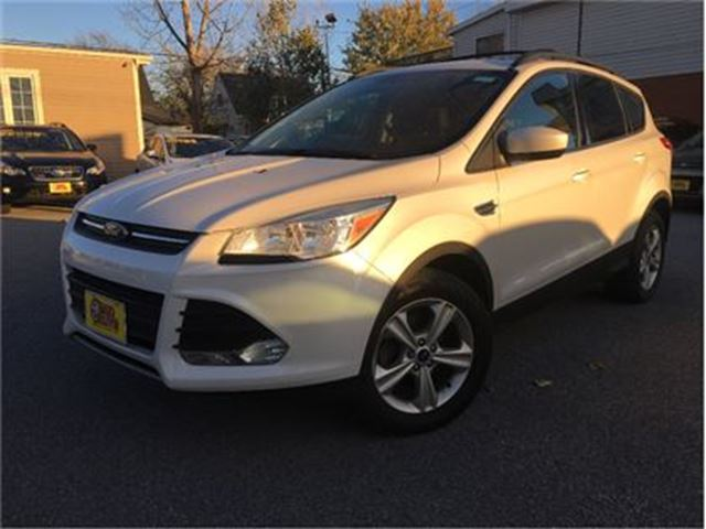 2013 ford escape se navigation leather panorama roof white two guys quality cars. Black Bedroom Furniture Sets. Home Design Ideas