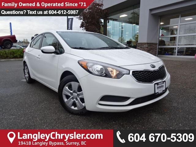 2016 KIA FORTE 1.8L LX *ACCIDENT FREE * DEALER INSPECTED * CERTIFIED * in Surrey, British Columbia