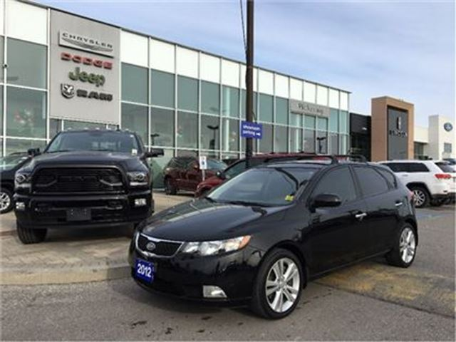 2012 KIA FORTE 2.4L SX (A6) LEATHER SUNROOF HEATED SEATS in Pickering, Ontario