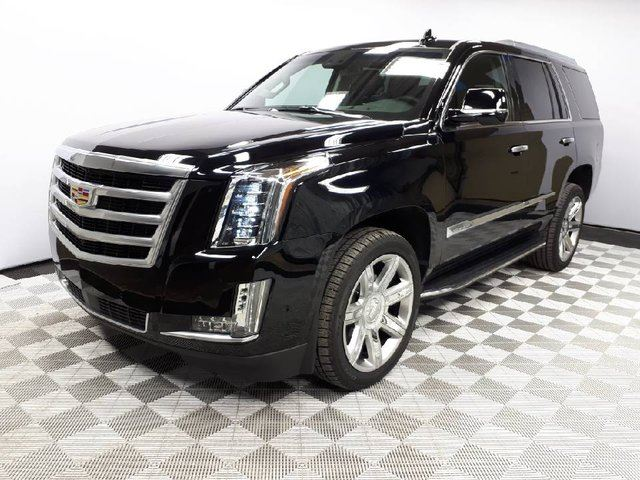 2017 CADILLAC ESCALADE PREMIUM TRIM | Leather Interior | Heated & Cooled Seats | NAV | LOW KMS! in Edmonton, Alberta