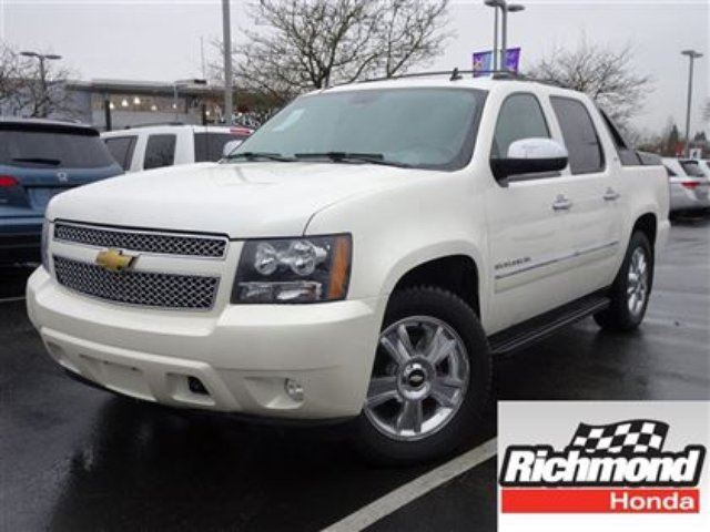 2010 CHEVROLET AVALANCHE 1500 1500 LTZ! 6 Months Powertrain Warranty! in Richmond, British Columbia