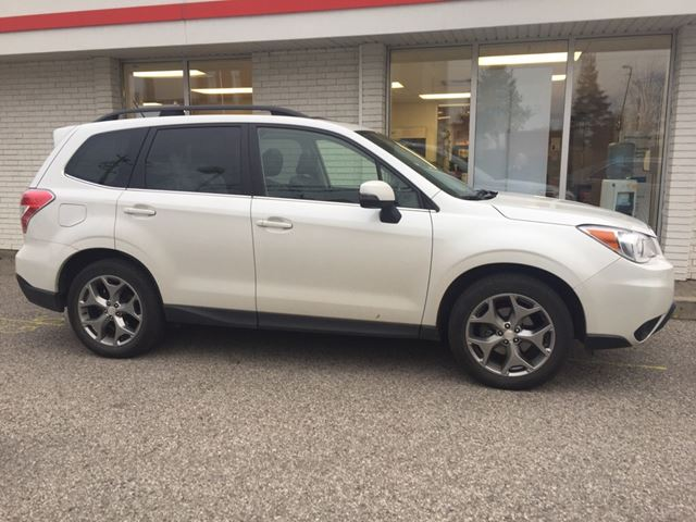 2015 SUBARU FORESTER 2.5i Limited Package Sold Pending Customer Pick Up...Bluetooth, Back Up Camera, Navigation, and More!!! in Waterloo, Ontario
