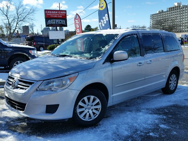 2011 VOLKSWAGEN ROUTAN Comfortline in Waterloo, Ontario