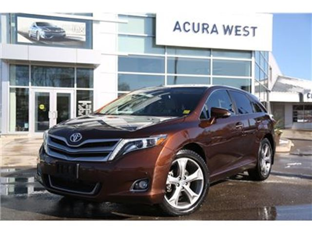 2014 TOYOTA VENZA Limited AWD, with snowtires in London, Ontario