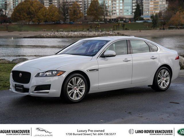 2016 JAGUAR XF 3.0L AWD Premium in Vancouver, British Columbia