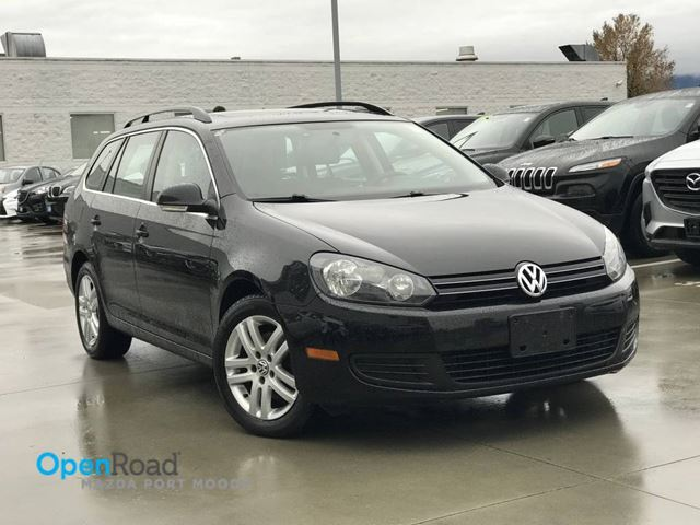2010 VOLKSWAGEN GOLF Comfortline A/T Wagon No Accident Local Panoram in Port Moody, British Columbia