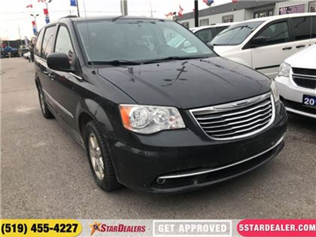 2012 CHRYSLER TOWN AND COUNTRY Touring   LEATHER   CAM   DVD in London, Ontario
