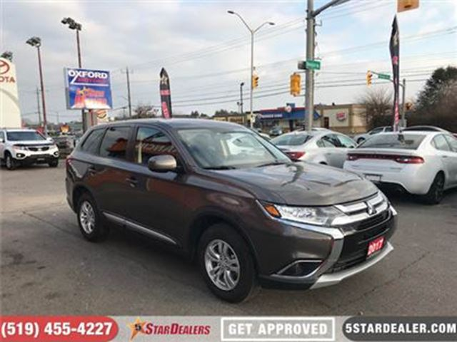 2017 MITSUBISHI OUTLANDER ES   AWD   ONE OWNER   HEATED SEATS in London, Ontario