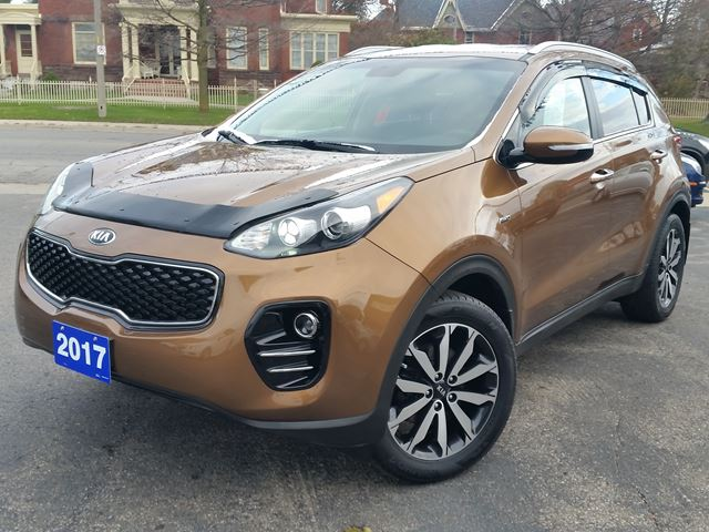 2017 Kia Sportage EX,ALL WHEEL DRIVE,10 WAY POWER HEATED SEATS,POWER FOLDING MIRRORS,18'ALLOYS,ONLY 18000 KLM in Dunnville, Ontario