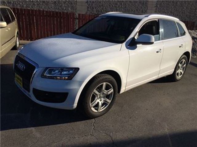 2012 AUDI Q5 2.0L Premium, Leather, Panoramic Sunroof, AWD in Burlington, Ontario