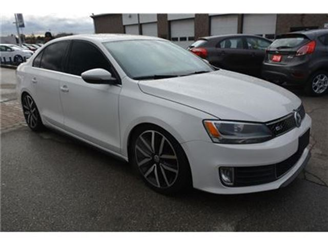 2013 VOLKSWAGEN JETTA GLI/AUTO/2.0L TURBO/CLOTH&LEATHER COMBO/CRUISE in Milton, Ontario