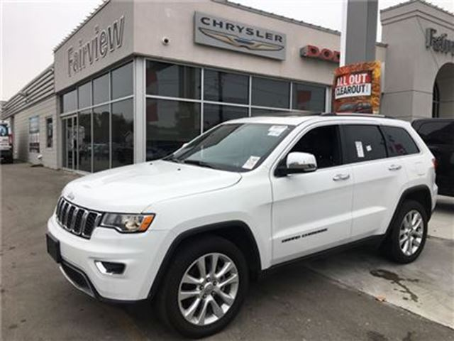 2017 JEEP GRAND CHEROKEE Limited..Pan Roof/Leather/Navi in Burlington, Ontario