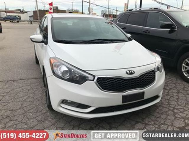2015 KIA FORTE 2.0L EX   ROOF   HEATED SEATS in London, Ontario