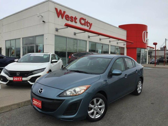 2011 MAZDA MAZDA3 GS, BLUETOOTH,5 SPEED MANUAL! in Belleville, Ontario