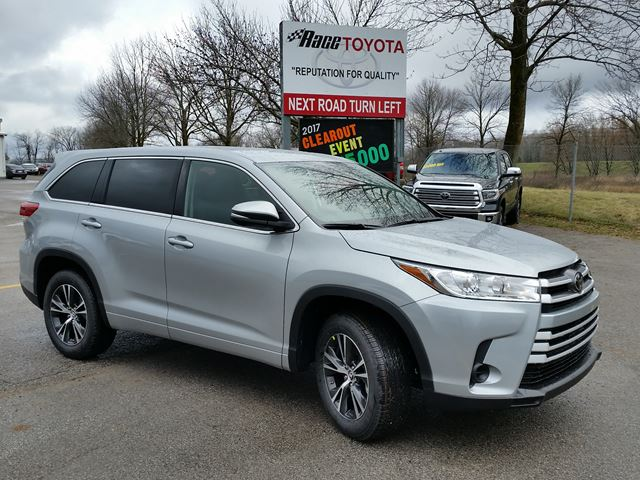 2018 toyota highlander le lindsay ontario car for sale 2929818. Black Bedroom Furniture Sets. Home Design Ideas