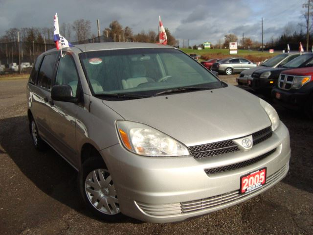 2005 Toyota Sienna CE Only 112km 8 Passinger Accident Free in Cambridge, Ontario