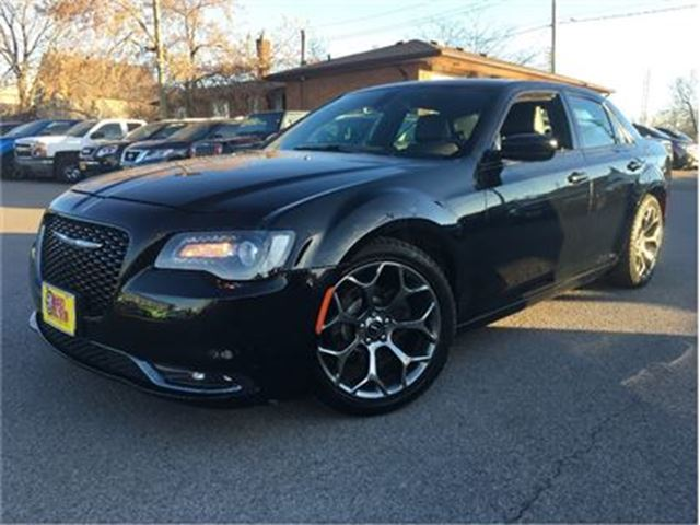 2015 CHRYSLER 300 S LEATHER BACK UP CAMERA in St Catharines, Ontario