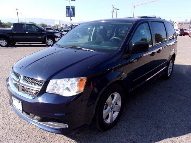 2014 DODGE GRAND CARAVAN SE/SXT Passenger Van in Kelowna, British Columbia