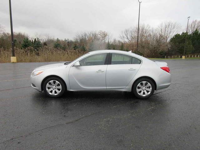 2012 BUICK REGAL           in Cayuga, Ontario
