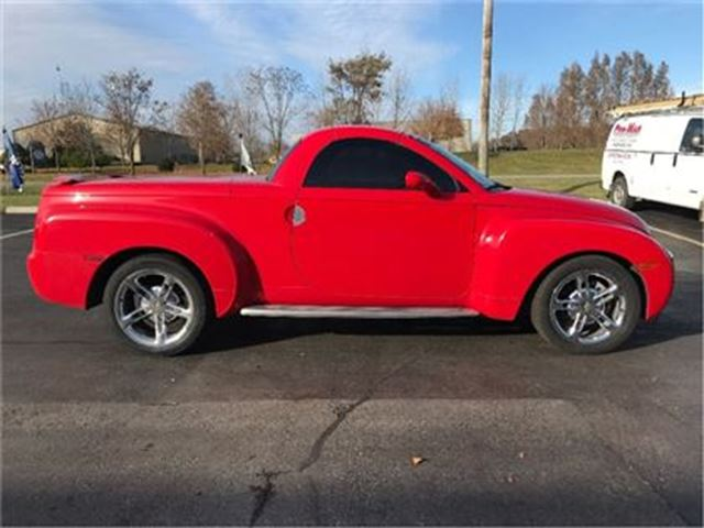 2005 Chevrolet SSR 6 Spd Chrome Wheels Boards Memory Spoiler in St George Brant, Ontario