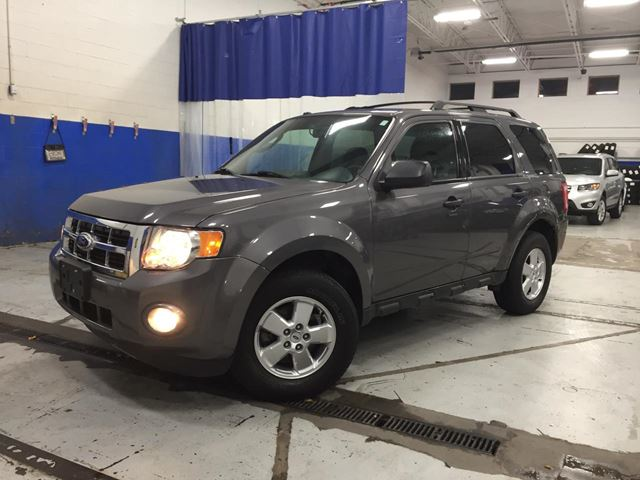 2011 FORD Escape XLT - V6 - POWER SEAT - ALLOYS in Aurora, Ontario