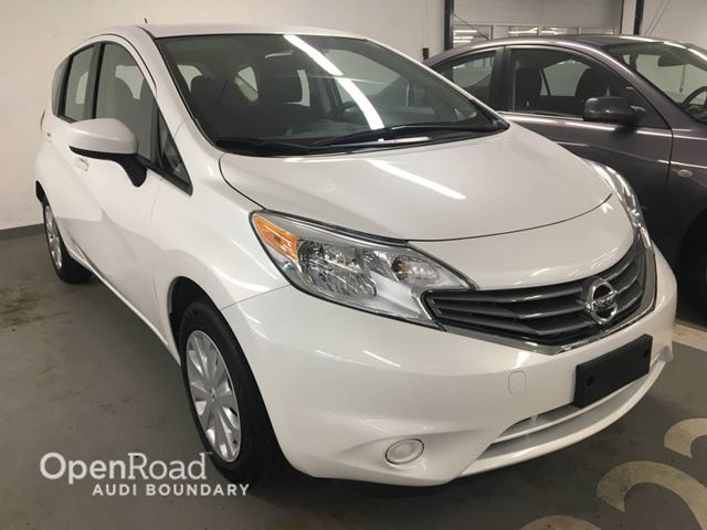 2016 NISSAN VERSA 5dr HB Auto 1.6 SV in Vancouver, British Columbia