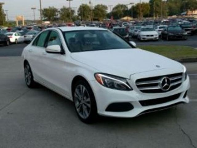 2015 MERCEDES-BENZ C-CLASS C300 4MATIC w/ Excess Wear Protection in Mississauga, Ontario