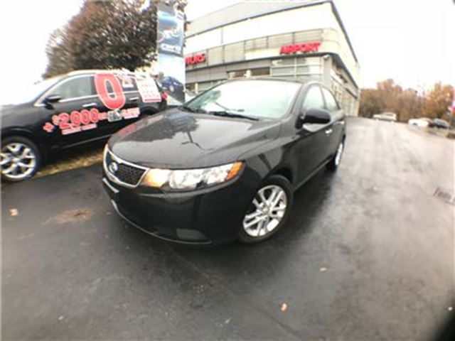 2011 KIA FORTE ROOF/HTD SEATS/HANDS FREE/AUTO/AIR/ALLOYS in Mississauga, Ontario