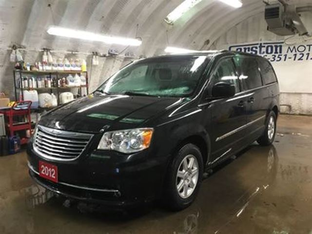 2012 CHRYSLER TOWN AND COUNTRY TOURING*NAVIGATION*POWER SUNROOF*DUAL ROW STOW N G in Cambridge, Ontario