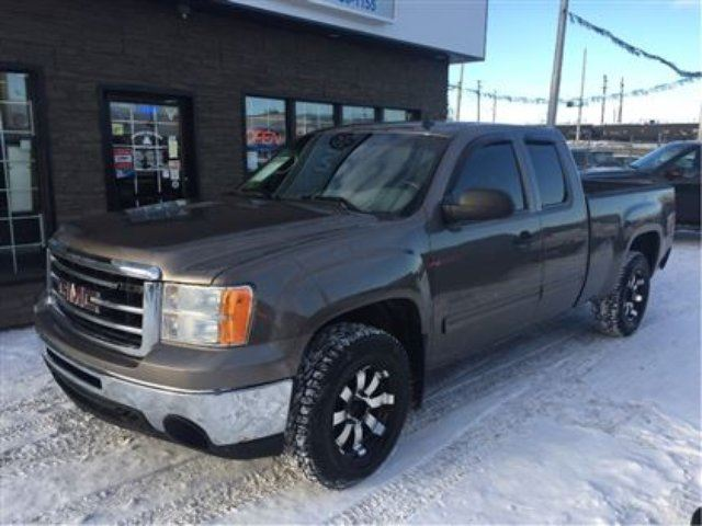 2012 GMC SIERRA 1500 Ext Cab 4x4 SHORTBOX in Edmonton, Alberta