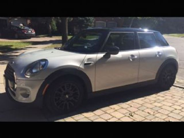 2016 MINI COOPER HB ESSENTIALS PACKAGE ~ Low Low Payment~ in Mississauga, Ontario