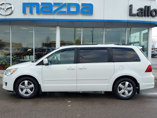 2011 VOLKSWAGEN ROUTAN Highline in Brantford, Ontario