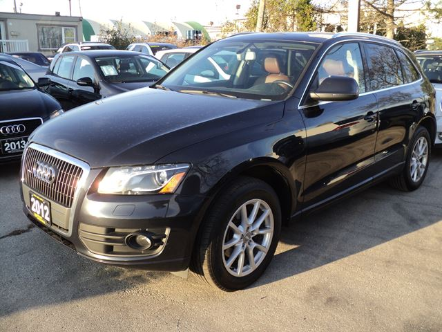 2012 AUDI Q5 2.0L Premium Plus quattro panoramic roof in Oakville, Ontario