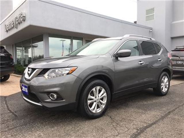 2016 Nissan Rogue SV PANORAMIC ROOF in Simcoe, Ontario
