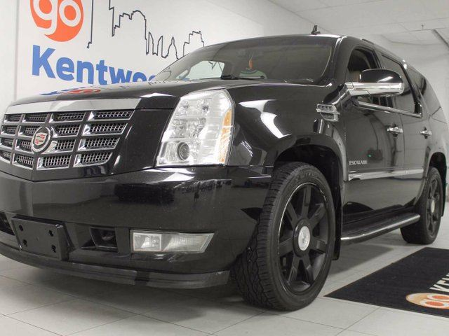 2011 CADILLAC ESCALADE Escalade- sunroof, heated/cooled power leather seats, back up cam, power liftgate in Edmonton, Alberta