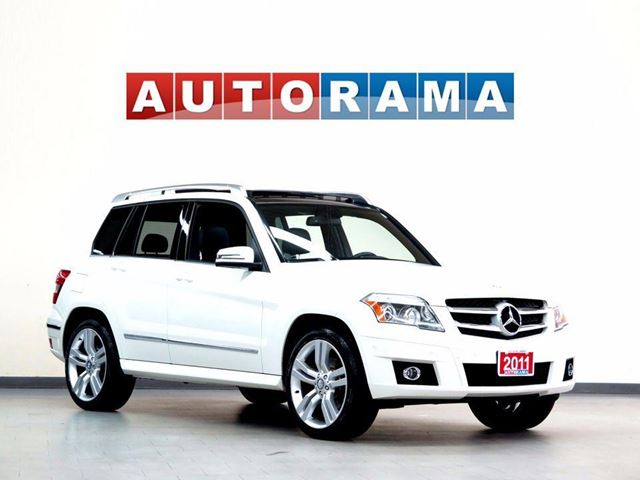 2011 Mercedes-Benz GLK-Class GLK350 NAVIGATION AWD LEATHER PANORAMIC SUNROOF in North York, Ontario