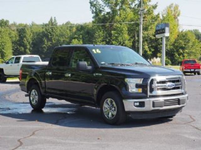 2016 FORD F-150 4WD XLT Supercrew in Mississauga, Ontario