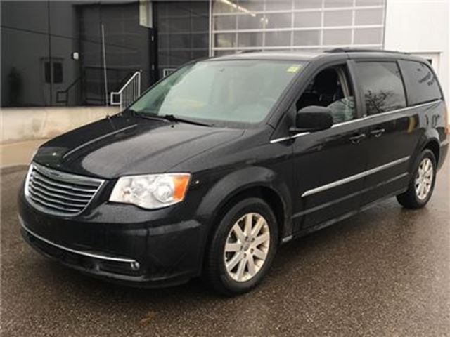 2013 CHRYSLER TOWN AND COUNTRY Touring   NAV   CAM   STOW-N-GO in London, Ontario