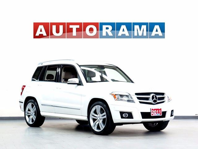 2011 Mercedes-Benz GLK-Class GLK350 NAVIGATION LEATHER SUNROOF 4WD BACKUP CAMERA in North York, Ontario