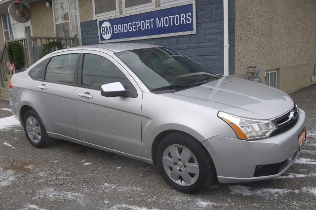 2010 FORD Focus SE - ONLY 127,000 KMS - 5 SPD. MANUAL in Ottawa, Ontario