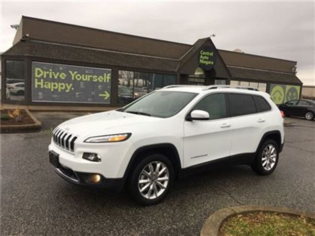 2017 JEEP CHEROKEE Limited / LEATHER / NAVIGATION / HEATED SEATS in Fonthill, Ontario