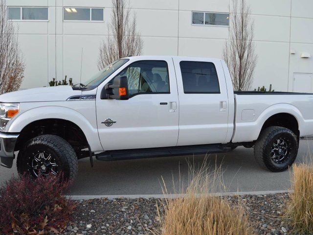 2016 FORD F-350 Lariat 4x4 SD Crew Cab 6.75 ft. box 156 in. WB SRW in Kamloops, British Columbia