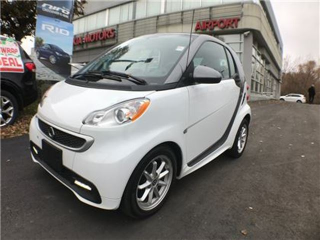 2014 SMART FORTWO ELECTRIC DRIVE PASSION/GLASS ROOF/AIR/POWER /ALLOYS in Mississauga, Ontario
