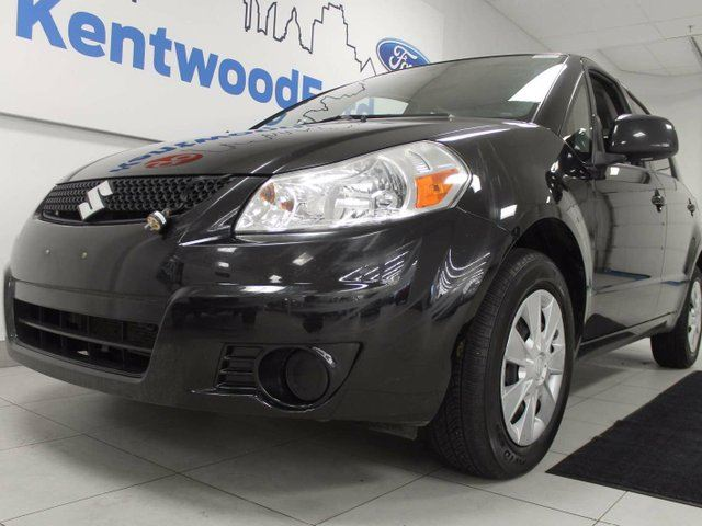 2012 SUZUKI SX4 SX4 manual. deadly. in Edmonton, Alberta